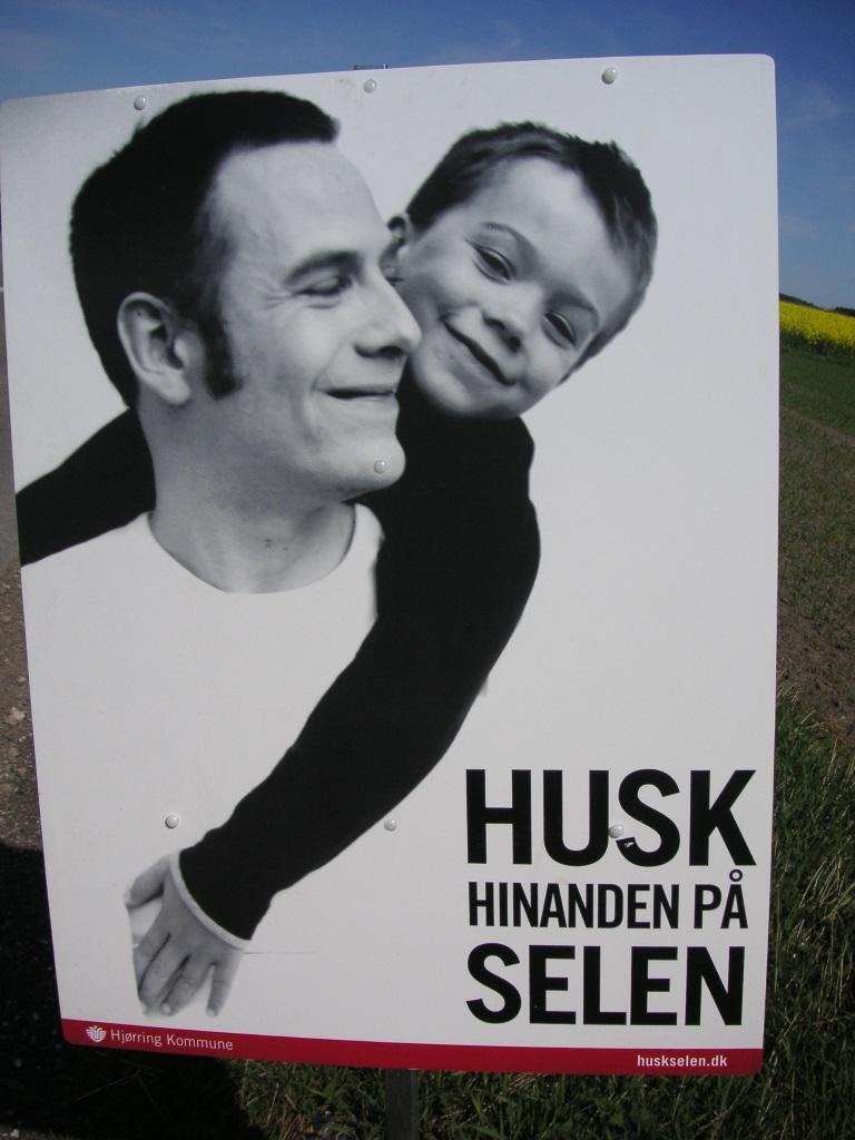 Schilder an Dänemarks Straßen